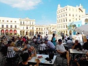 La Plaza Vieja está llena de terrazas agradables