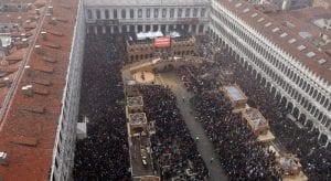 Plaza de san Marcos de Venecia durante el carnaval