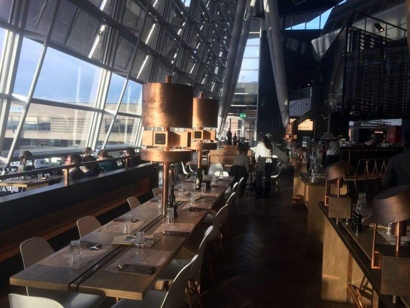 Zona de restaurantes en el aeropuerto de Zurich