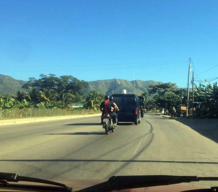Otra imagen de una carretera en Cuba