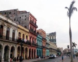 Casas de colores frente al Capitolio