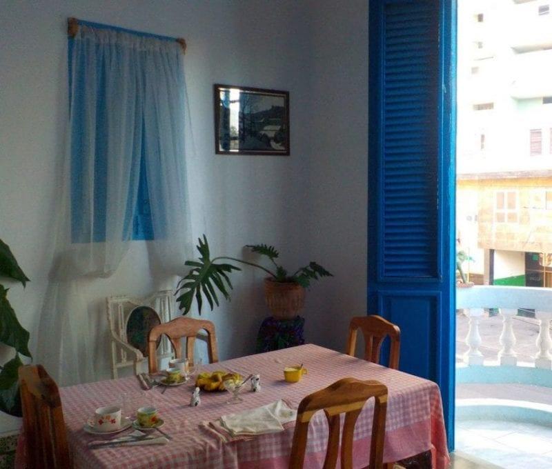 Desayuno en una casa particular en La Habana
