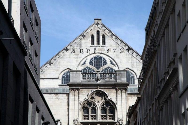 Detalle de la fachada de la iglesia de Santiago en Amberes