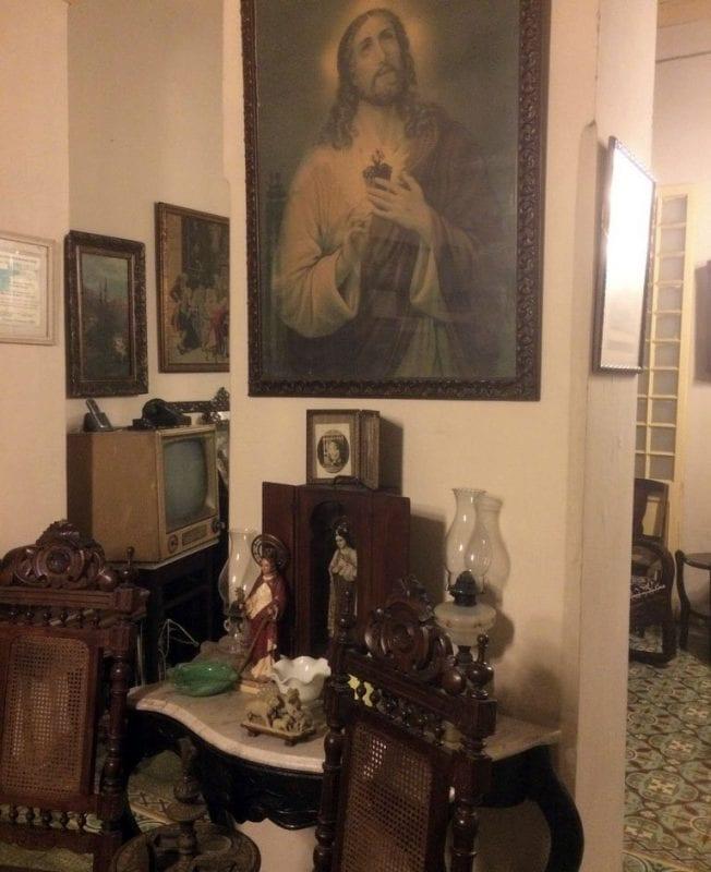 Interior de una casa de alquiler particular en Cuba