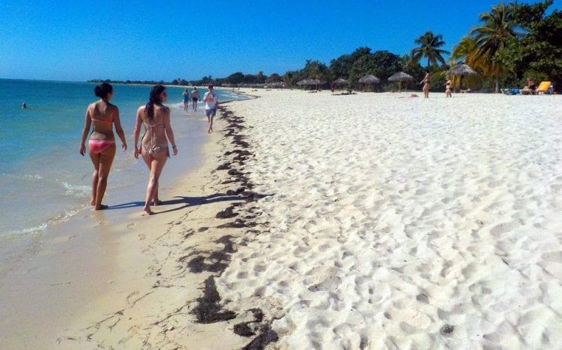 Las playas del este son frecuentadas por turistas pero también por habaneros