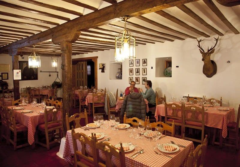Interior del restaurante Venta del Quijote