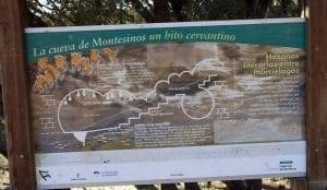 Cartel informativo a la entrada de la cueva de Montesinos