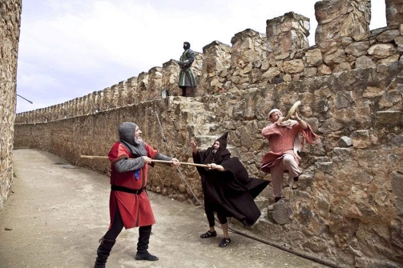 Las visitas teatralizadas al castillo de Consuegra son muy divertidas