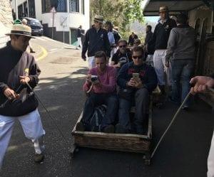 La salida del paseo en cesta está en Monte