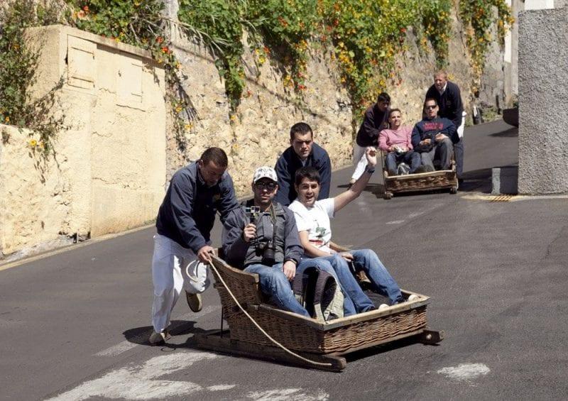 El viaje en cestas es una actividad imprescindible en Madeira