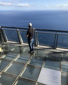 El balcón de Girao con suelo de cristal