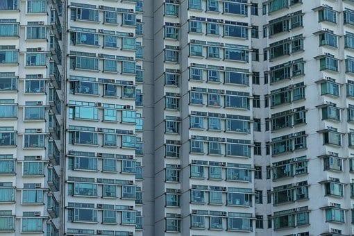 Una familia media solo dispone de 50 metros cuadrados