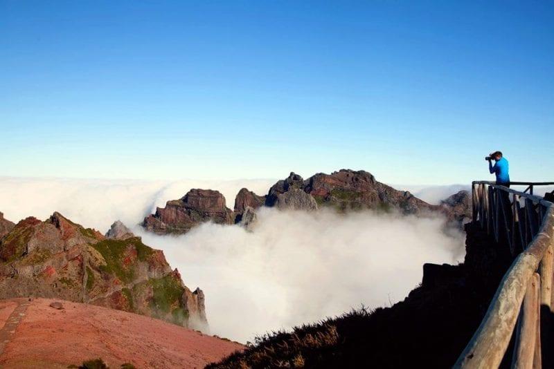 Vistas del mar de nubes desde el pico Arriero