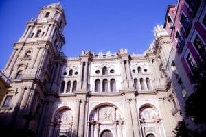 Fachada principal de la catedral de Málaga