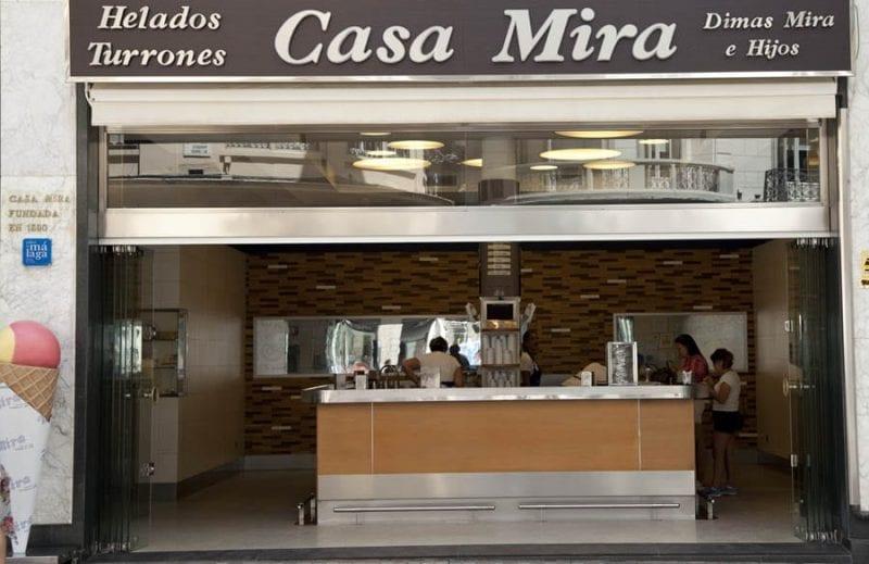 Casa Mira, heladería en la calle Larios