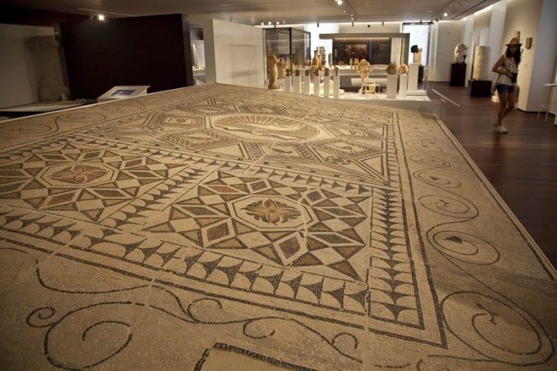 Mosaico en la zona de arqueología del museo de Málaga