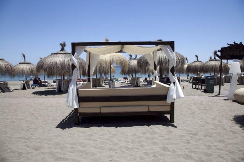 Tumbonas en las playas de Málaga