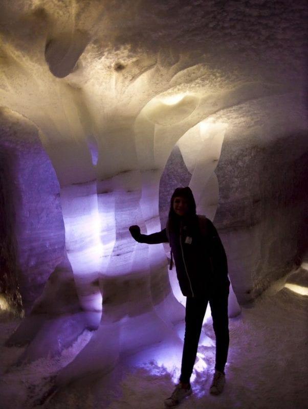 La cueva de hielo solo es accesible en verano