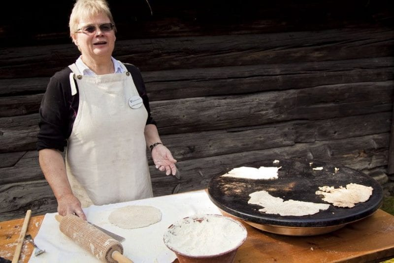 Degustación de queso en el museo Romsdal