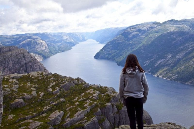 Panoramica del fiordo de Stavanger desde Preikestolen