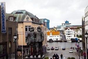 Escultura homenaje a los pescadores