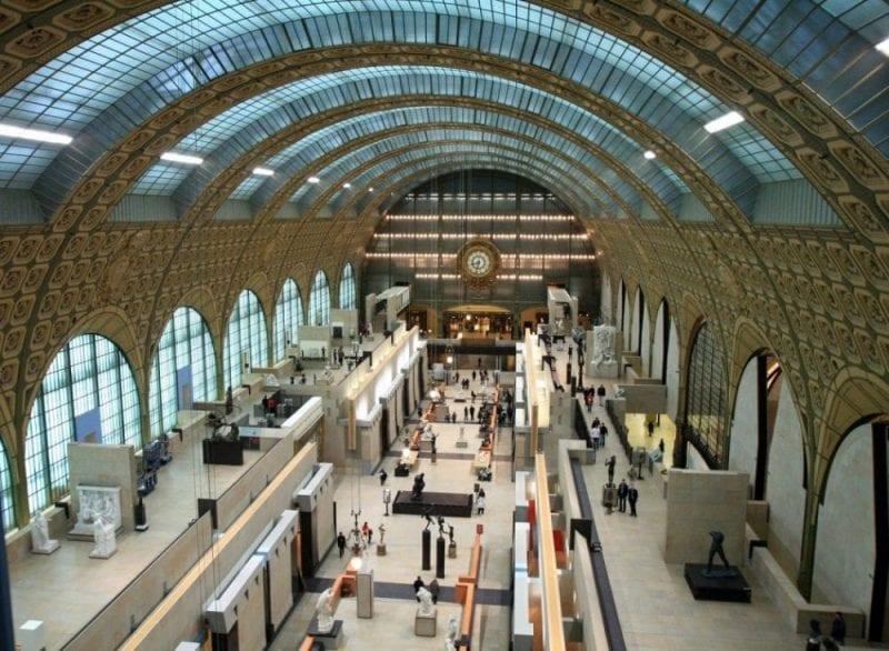El museo d'Orsay conserva la estructura de vieja estación de tren
