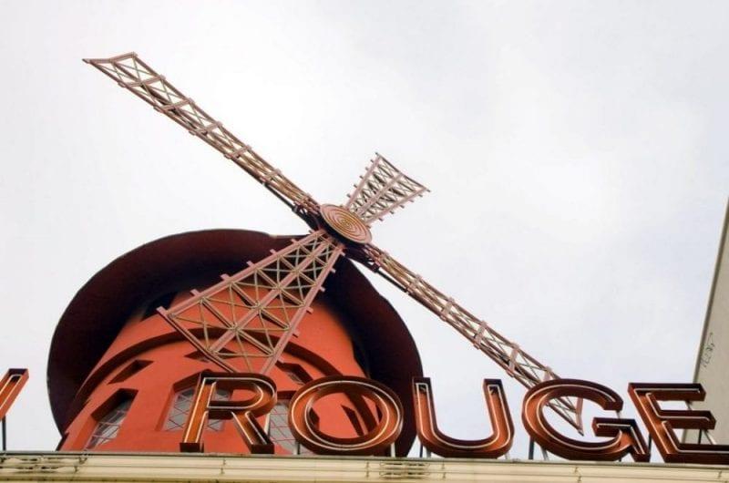 El Moulin Rouge, el cabaret más famoso de París