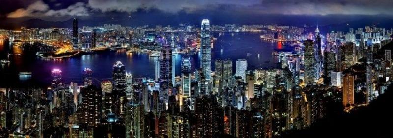 Skyline nocturno de Hong Kong