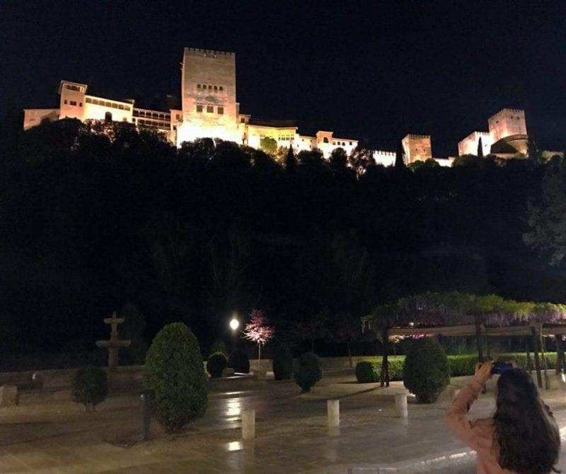 La Alhambra se ve desde todos los rincones del Albaicín