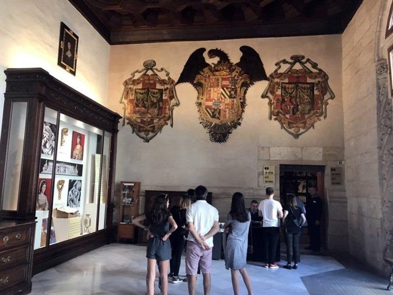 Acceso a la Capilla Real en la catedral de Granada