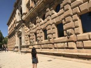 Fachada exterior del palacio de Carlos V
