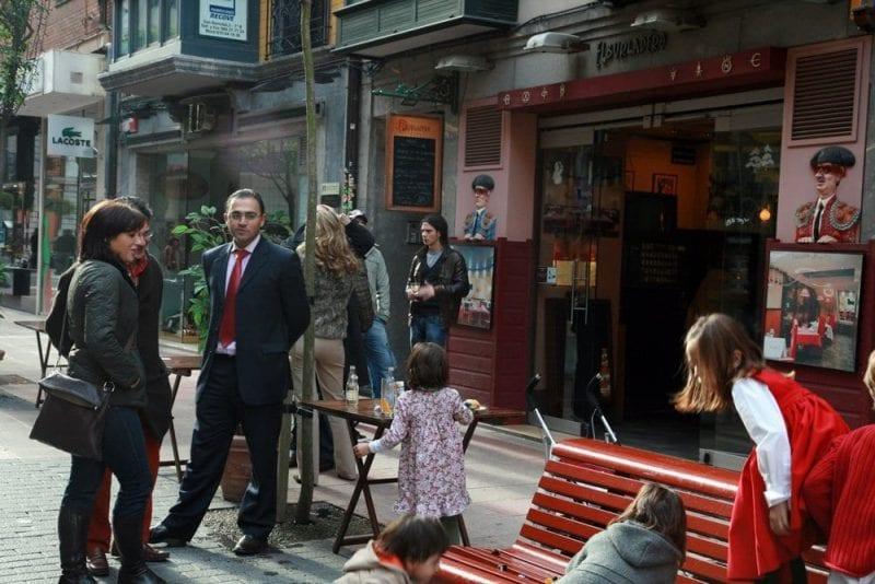 La calle San Bernabé, típica para el aperitivo