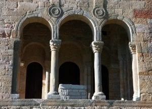 """Arcos de Santa María del Naranco, icono de la marca """"Asturias paraíso natural"""""""