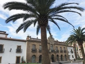 Fachada del hotel de la Reconquista oviedo