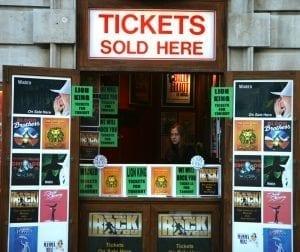 En Covent Garden hay quioscos donde adquirir entradas para espectáculos