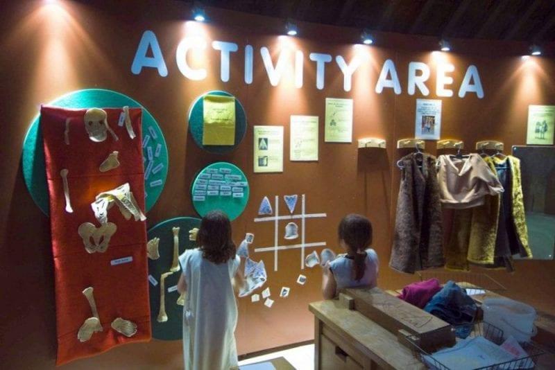 Zona de actividades en el museo de Avebury