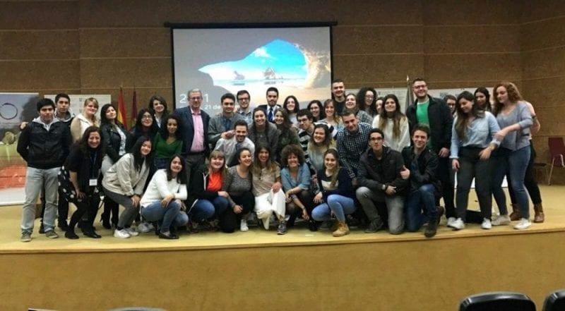 Alunmos de la Universidad de Alcalça de Hnares tras la clase impartida con motivo de la TourismWeek 2017