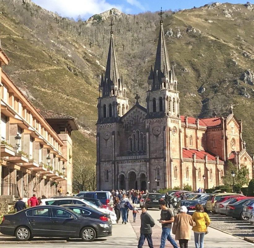 Basílica de Covadonga, en los Picos de Europa
