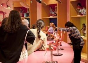 Peluquería para muñecas en la tienda American Girls