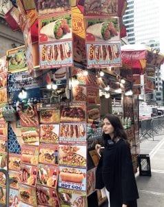 En Nueva York hay muchos puestos de perritos calientes