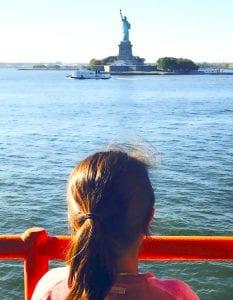 Vista de la Estatua de la Libertad desde el ferry de Staten Island