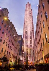 Eh el Rockefeller Center hay tiendas, oficinas y restaurantes