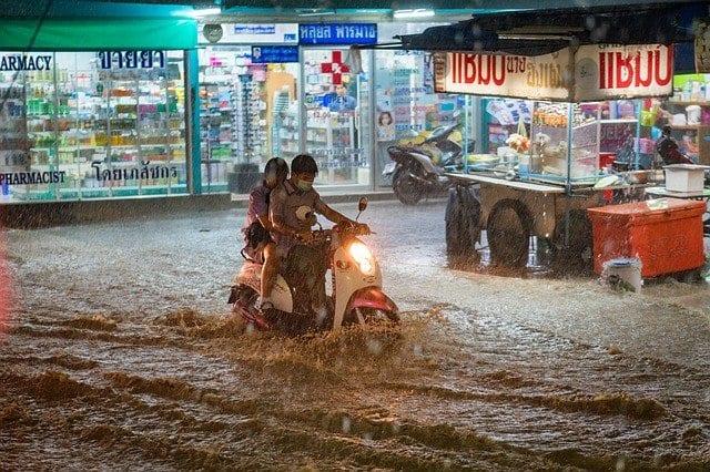 Lluvias torrenciales y temporales, enemigos del viajero que no avisan