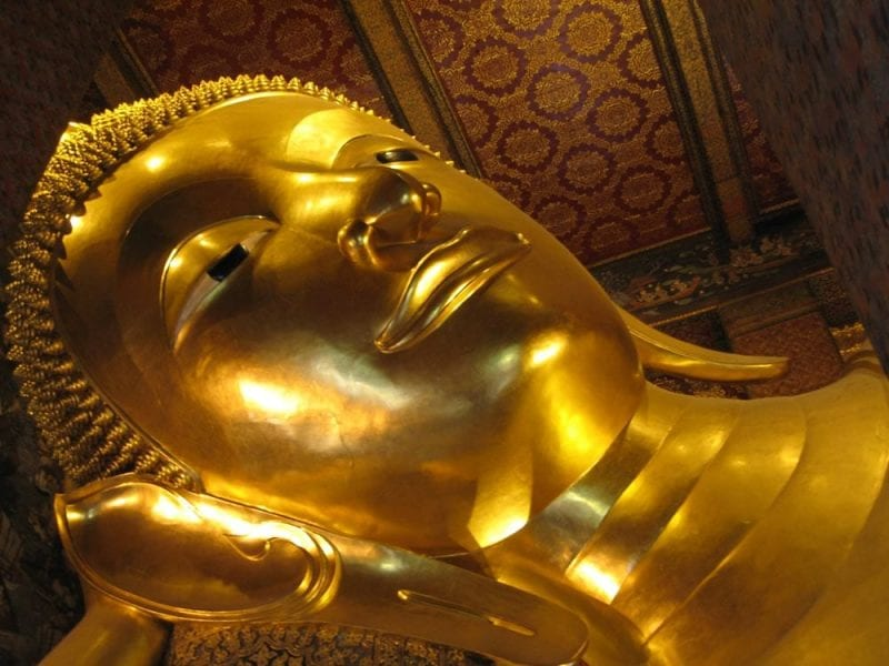 El Buda reclinado mide 46 metros de largo y 15 de alto