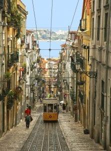 Uno de los elevadores de Lisboa