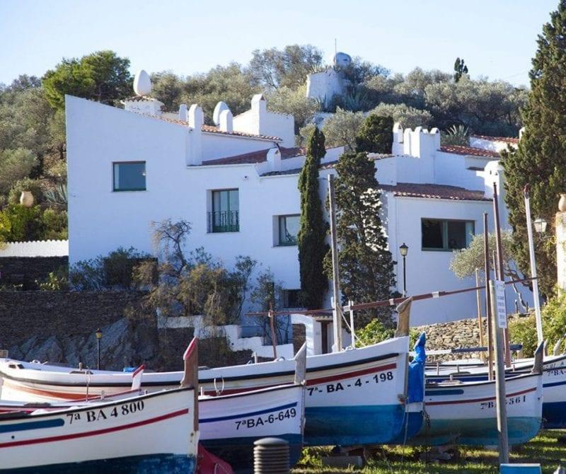 Casa de Dalí en Portligat, formada por un conjunto de casas de pescadores