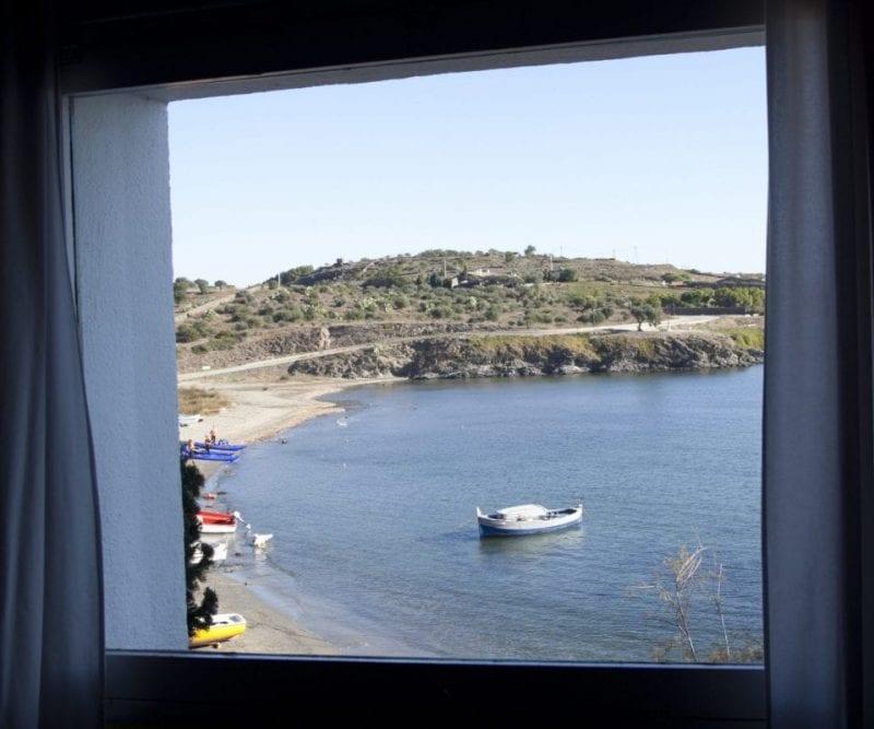Desde esta ventana Dalí veía salir el sol