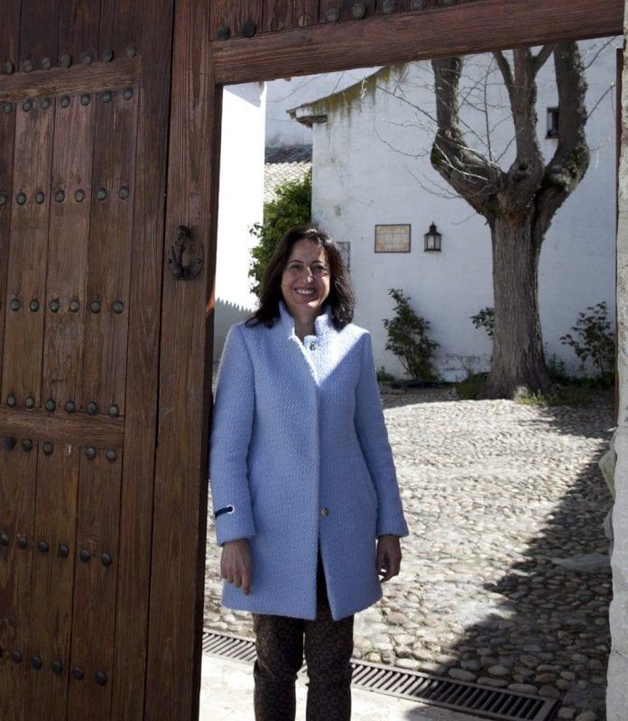 Susana e sla encargada de la casa museo de Esquivias