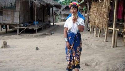 mujer jirafa Tailandia