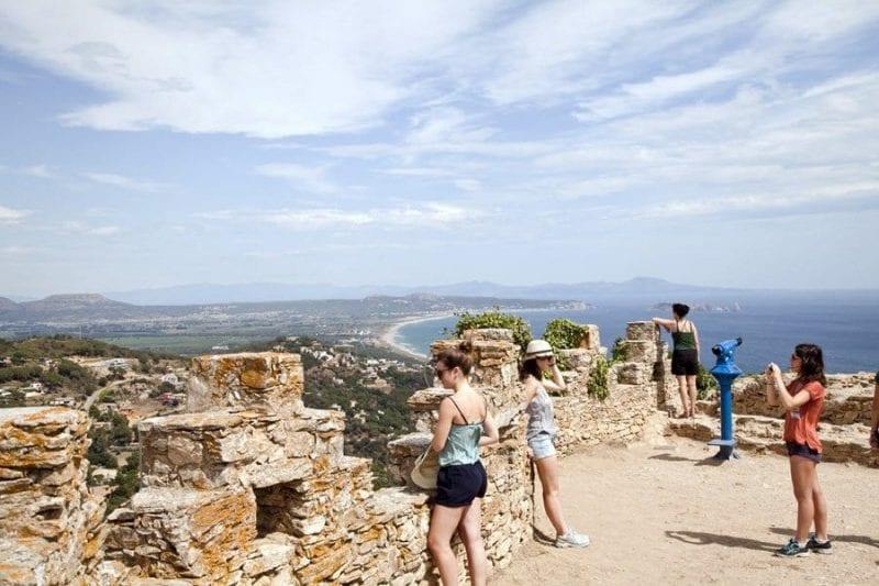 Panorámica de la Costa Brava desde el castillo de Begur